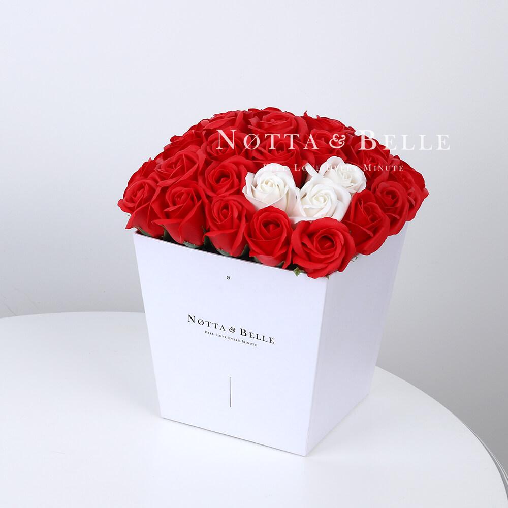 Мыльный букет красного цвета №411 из 35 розы