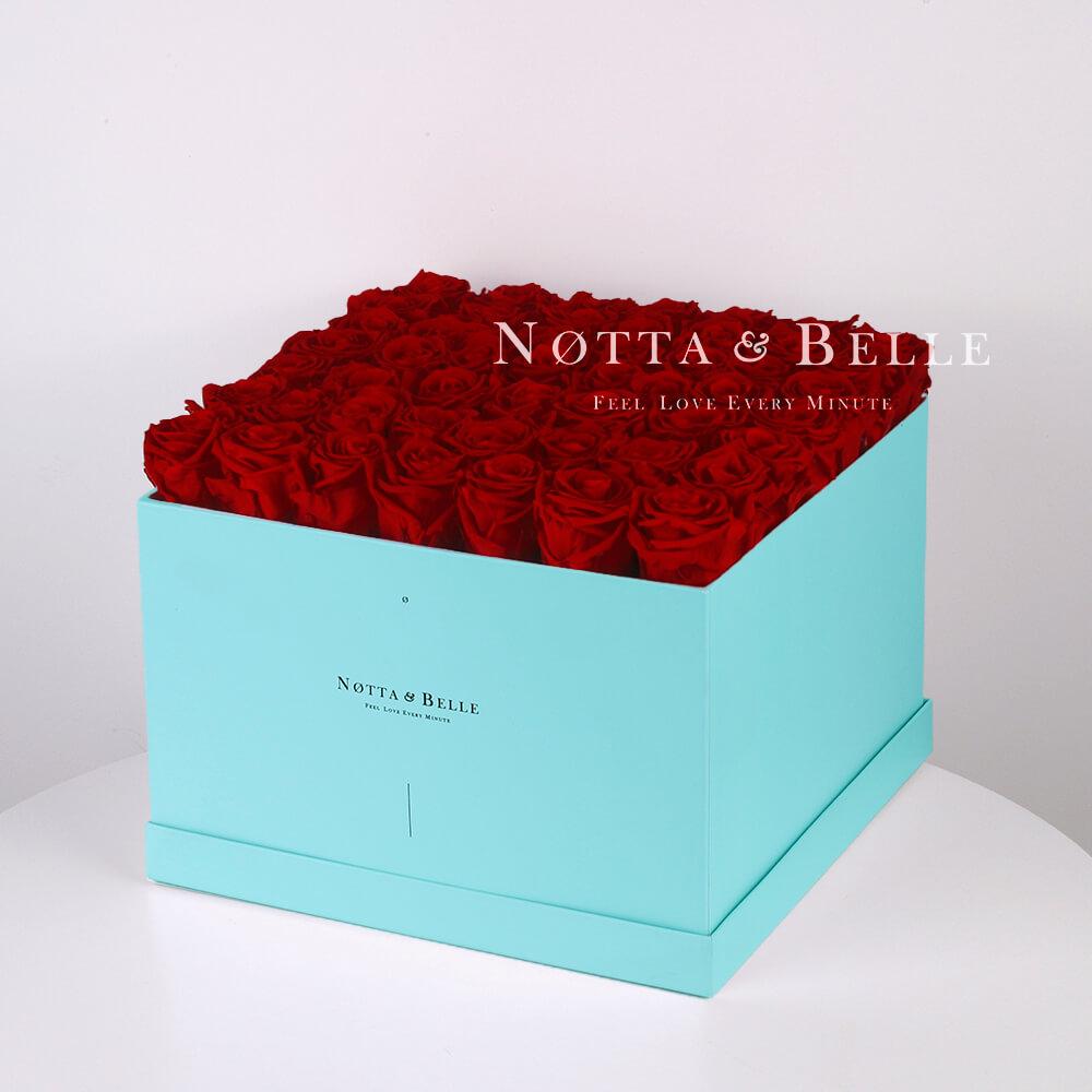 Долговечный букет из 49 бордовых роз - №763