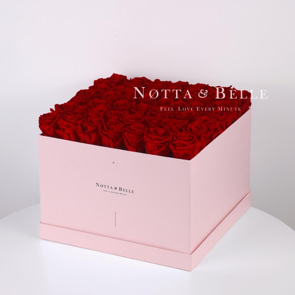 Долговечный букет из 49 бордовых роз - №765