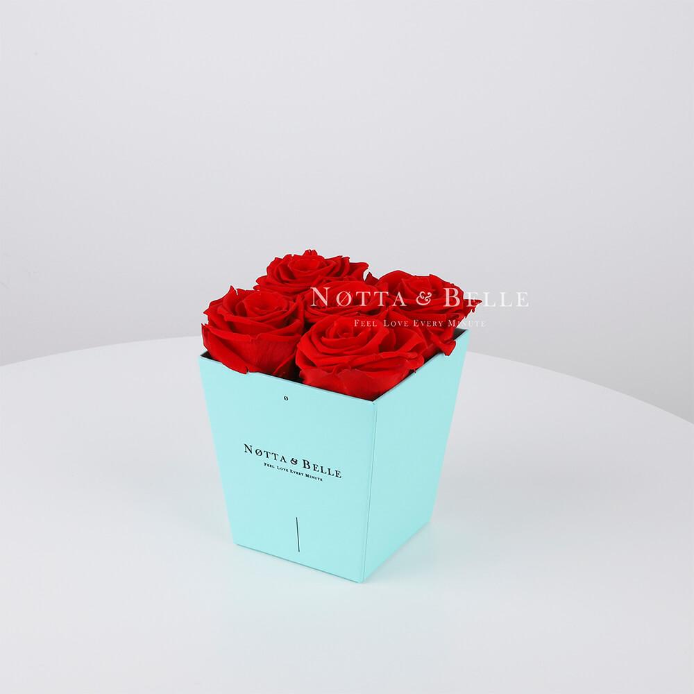 Долговечный букет из 5 красных роз - № 013