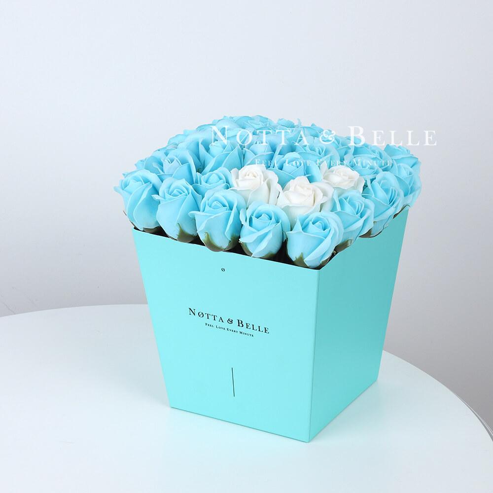 Мыльный букет голубого цвета №443 из 35 розы