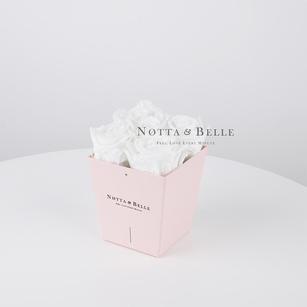 Долговечный букет из 5 белых роз - №085
