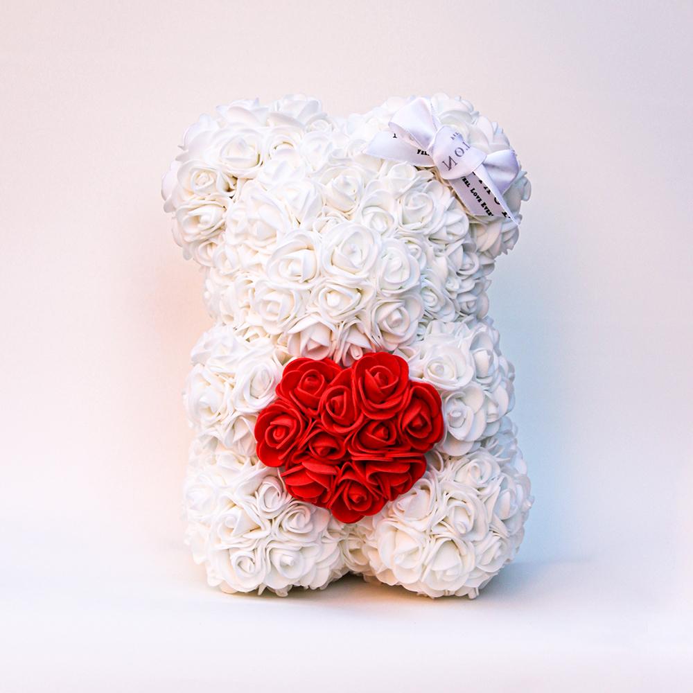 Weiß Bär aus künstlichen Rosen mit einem Herzchen - 25 сm