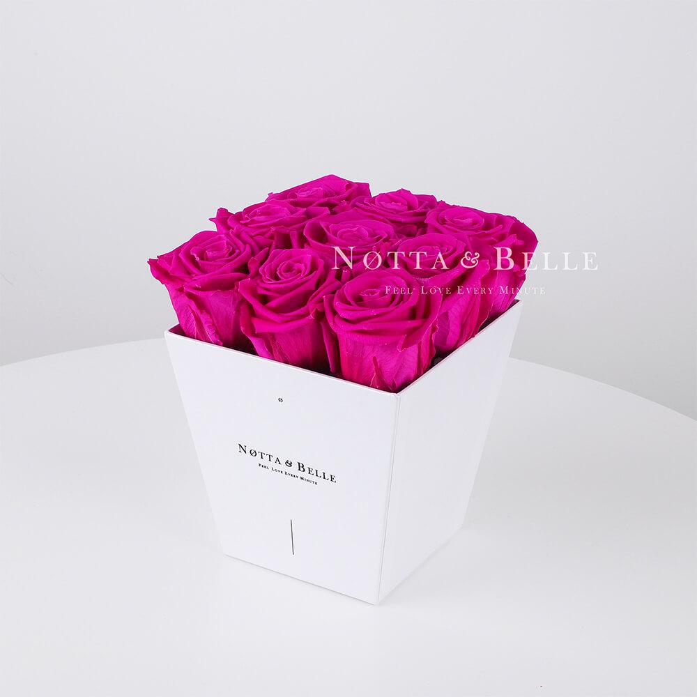 Rosenstrauß der Farbe Fuchsia «Forever» in einer weissen Box – 9 Stück