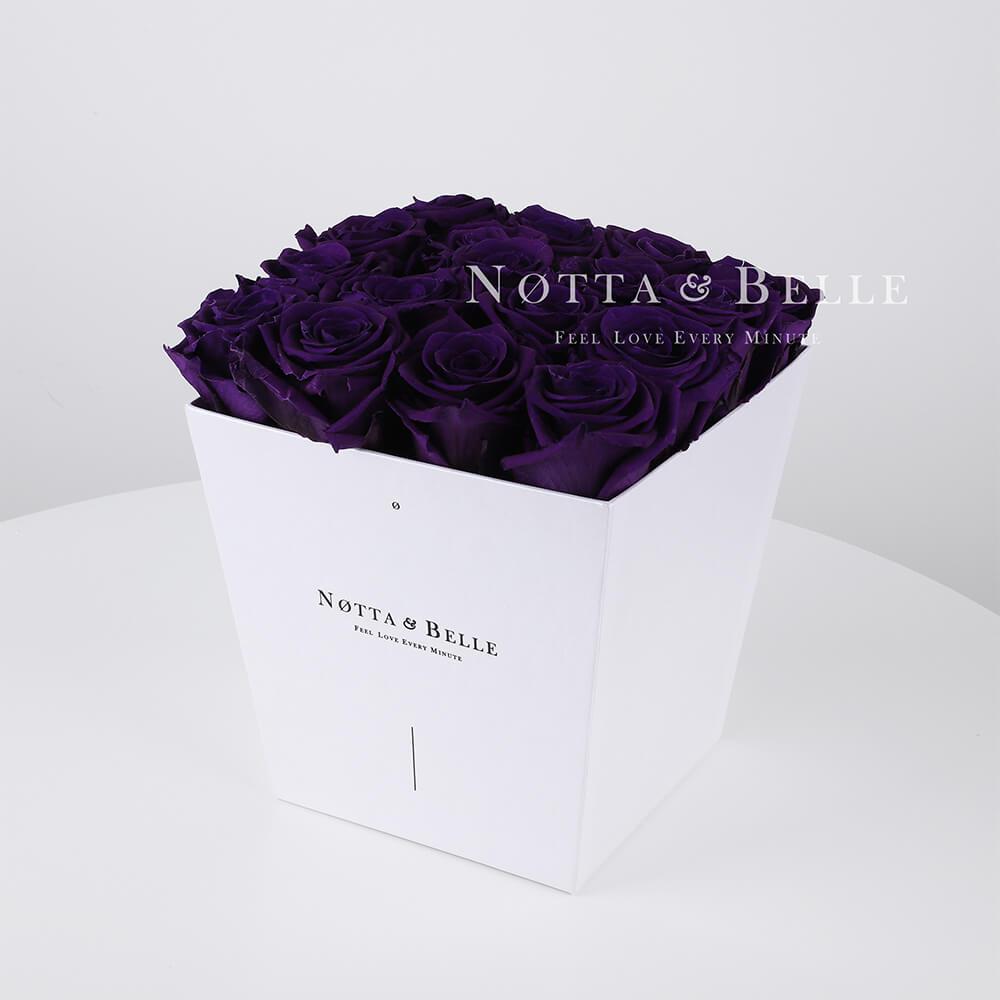 Violetter Rosenstrauß «Forever» in einer weissen Box – 17 Stück