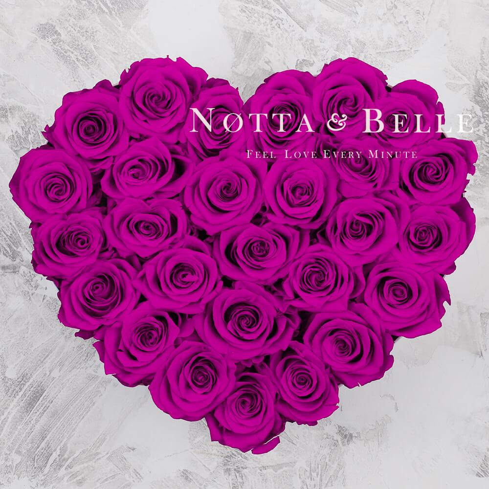 «Love» aus 27 Rosen Farbe Fuchsia