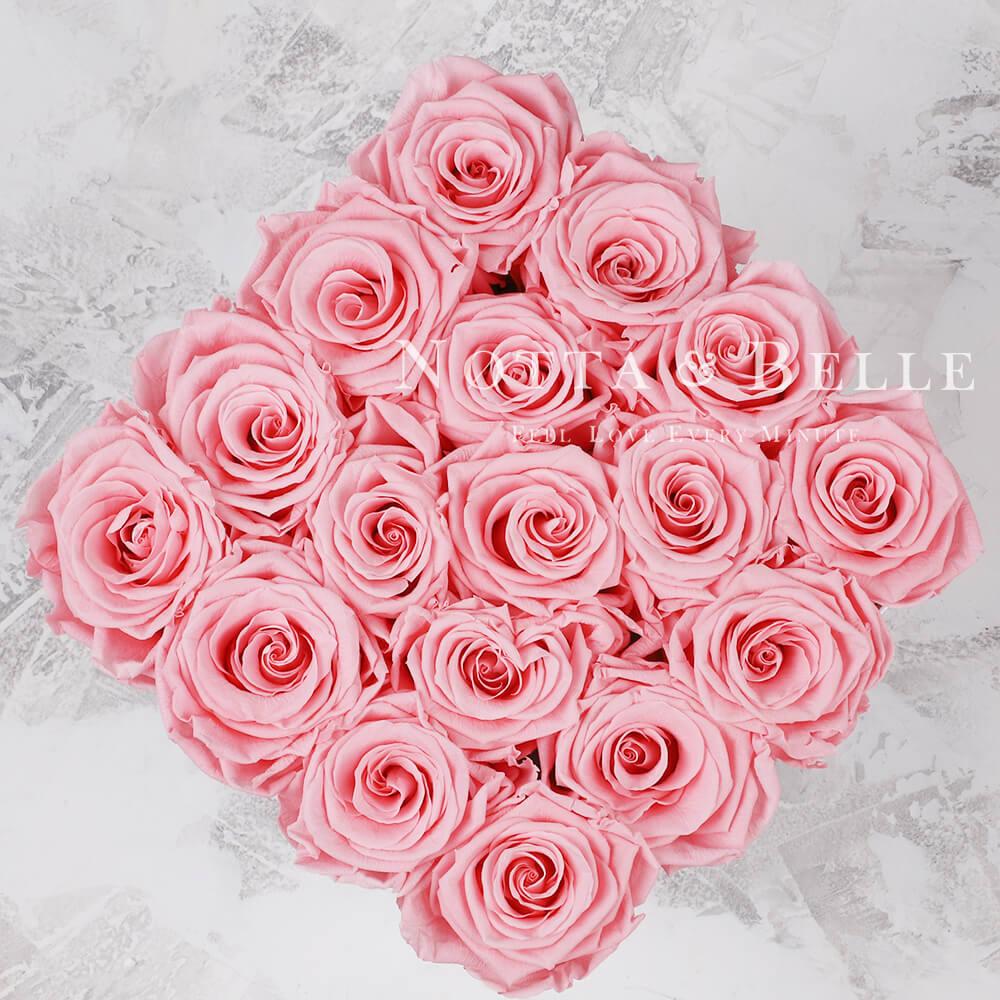 Долговечный букет из 17 розовых роз - №424