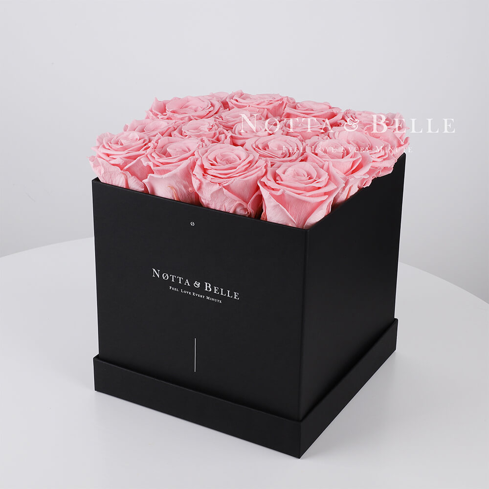 Долговечный букет из 17 розовых роз - №422
