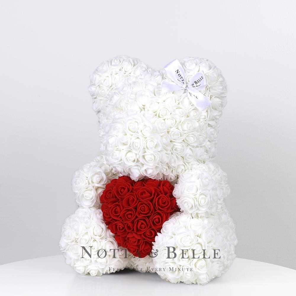 Bílý medvídek z růží s červeným srdcem- 35 сm