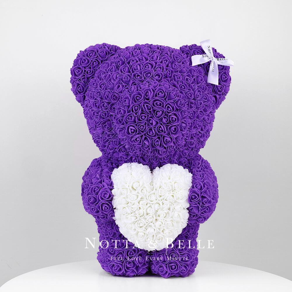 Fialový medvídek z růží s srdcem - 55 сm