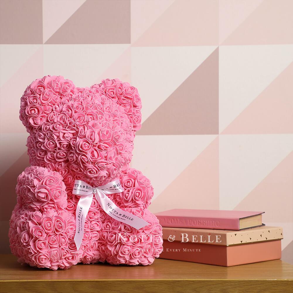 Růžový medvídek z růží - 35 cm