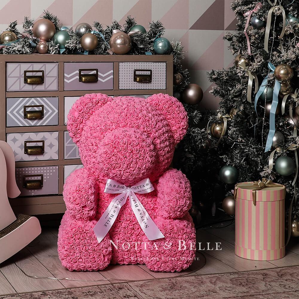 Růžový medvídek z růží - 65 cm