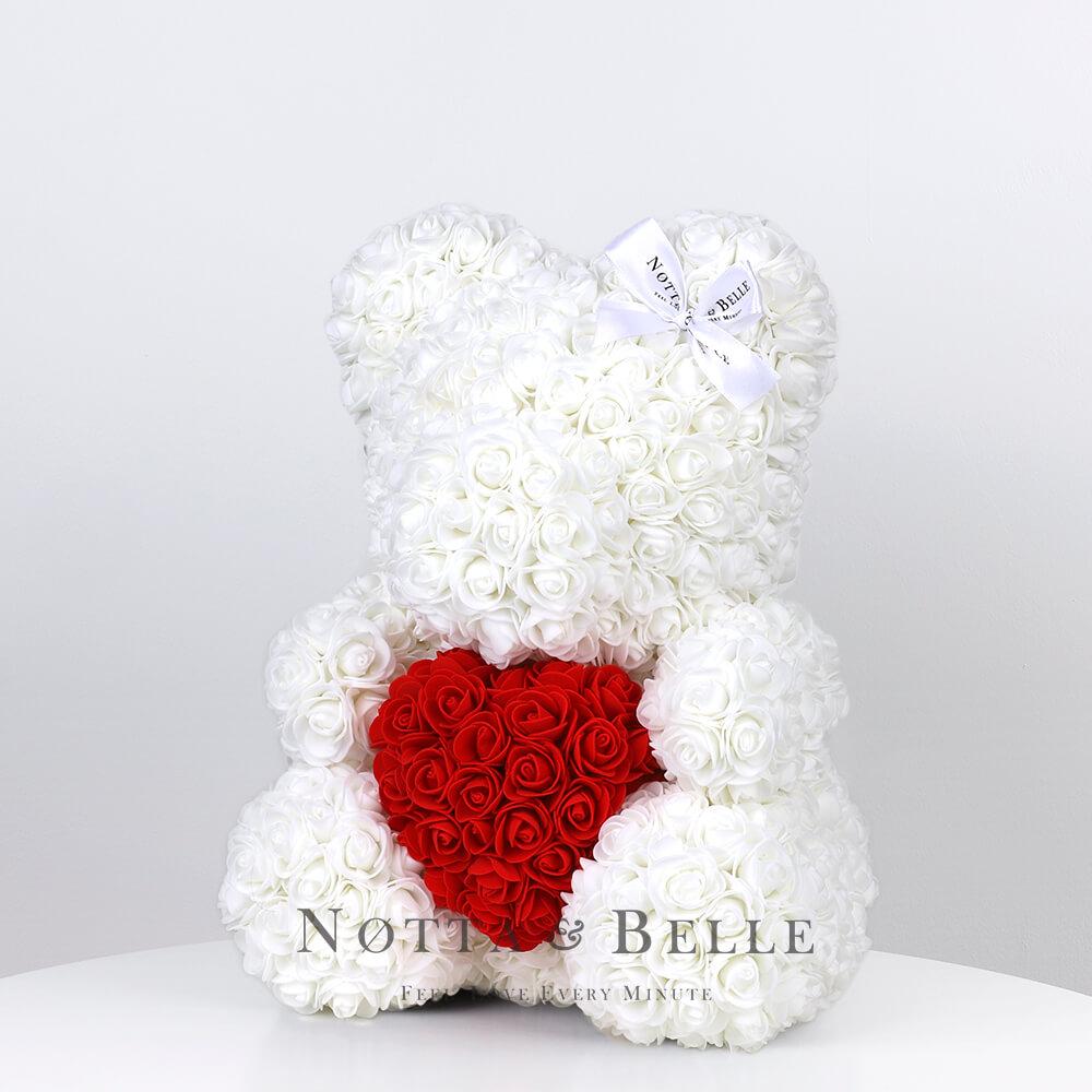 Weiß Bär aus künstlichen Rosen mit einem Herzchen - 35 сm