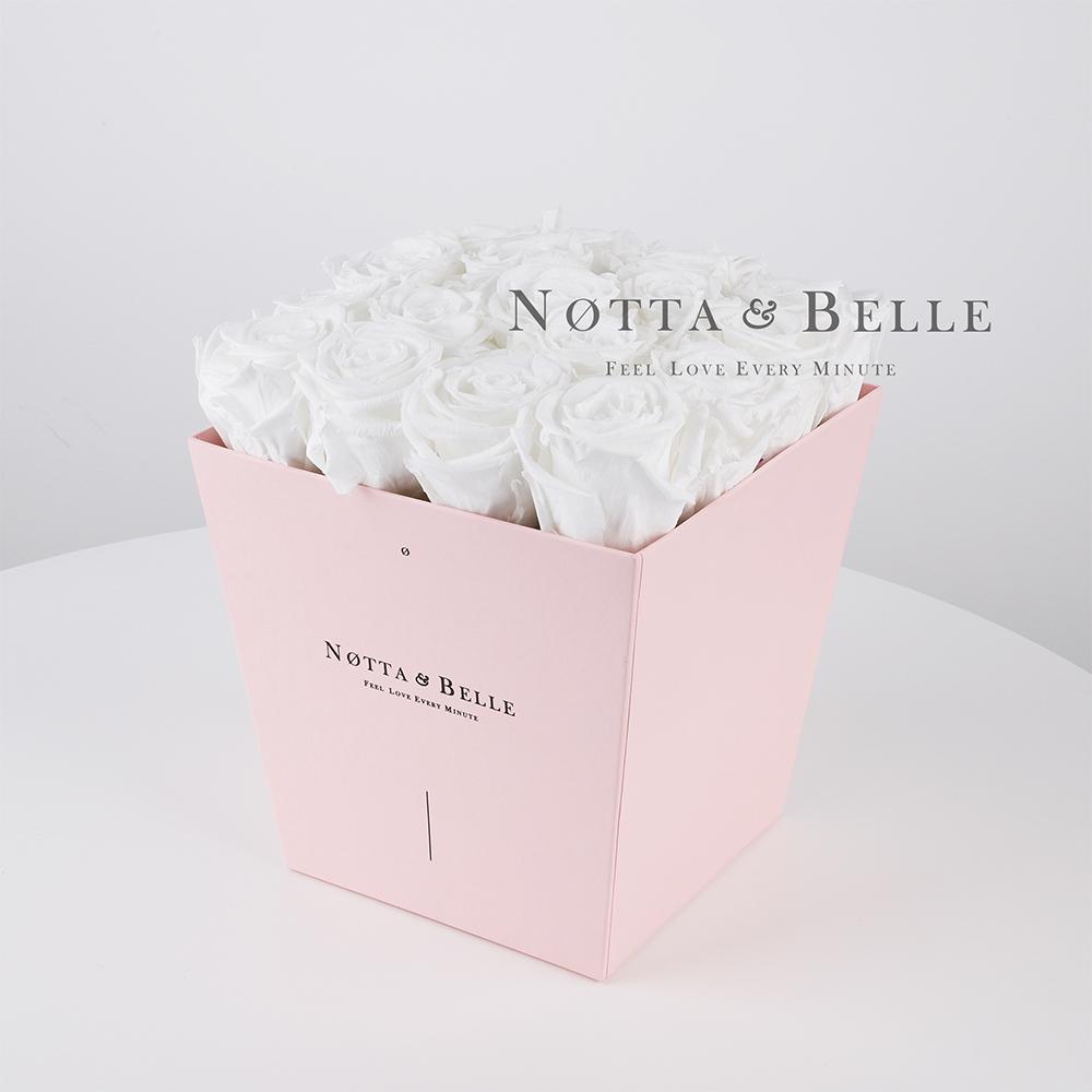 Долговечный букет из 17 белых роз - №285