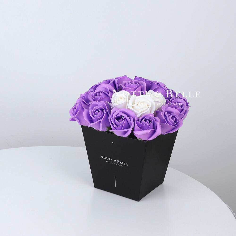 Мыльный букет лавандового цвета №272 из 21 розы