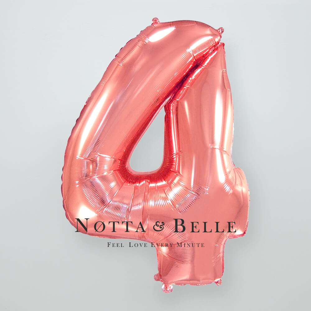 Шарик цвета розового золота в виде цифры 4