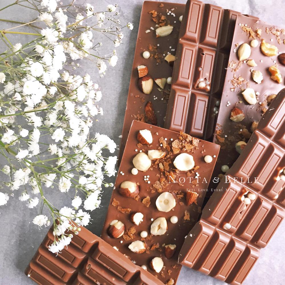 Плитка горького шоколада от Notta Belle