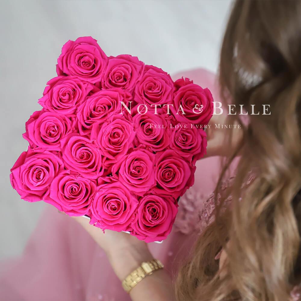Долговечный букет из 17 ярко розовых роз - №261