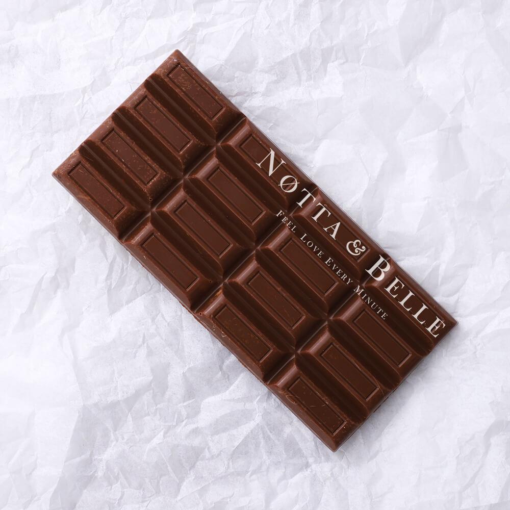 Молочная плитка шоколада от Notta & Belle