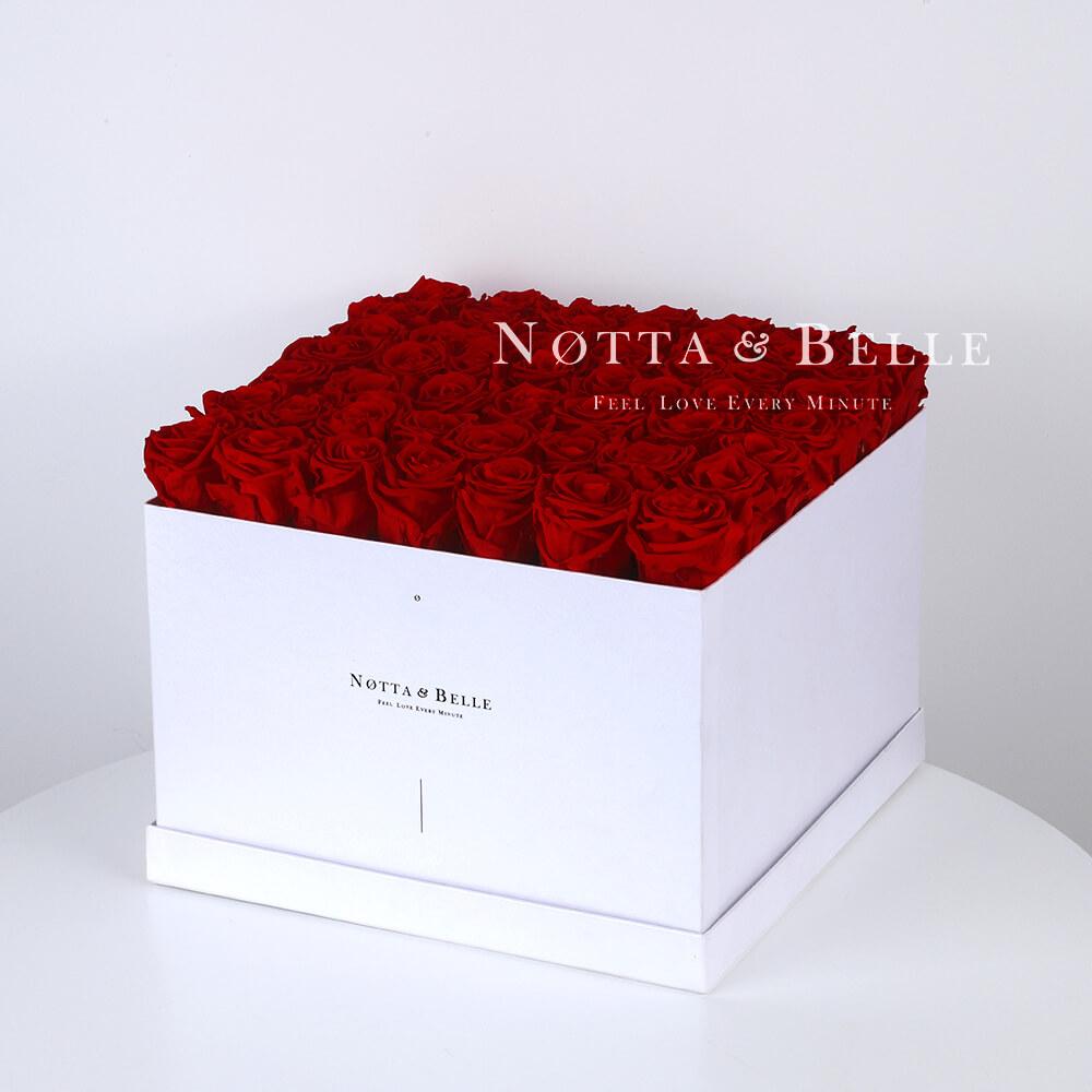 Долговечный букет из 49 бордовых роз - №761