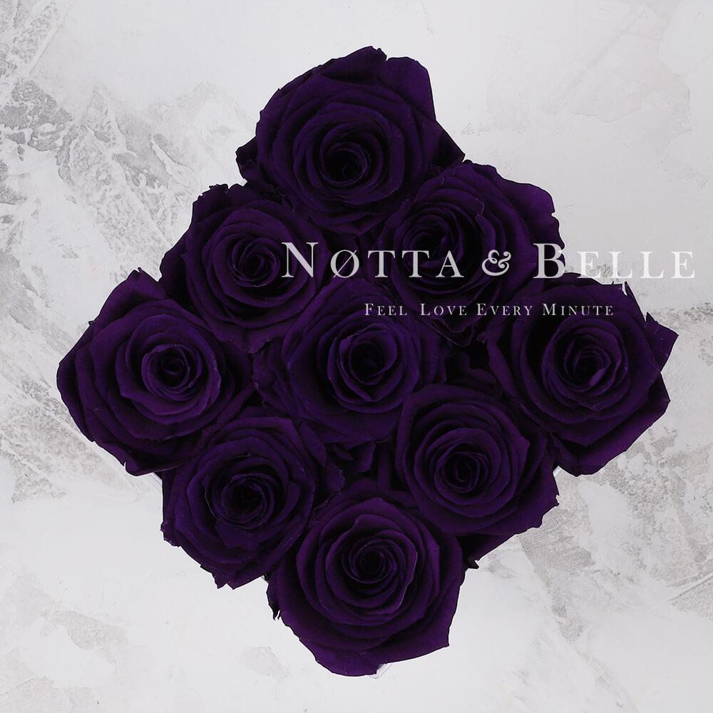 Violetter Rosenstrauß «Romantic» in einer weissen Box – 9 Stück