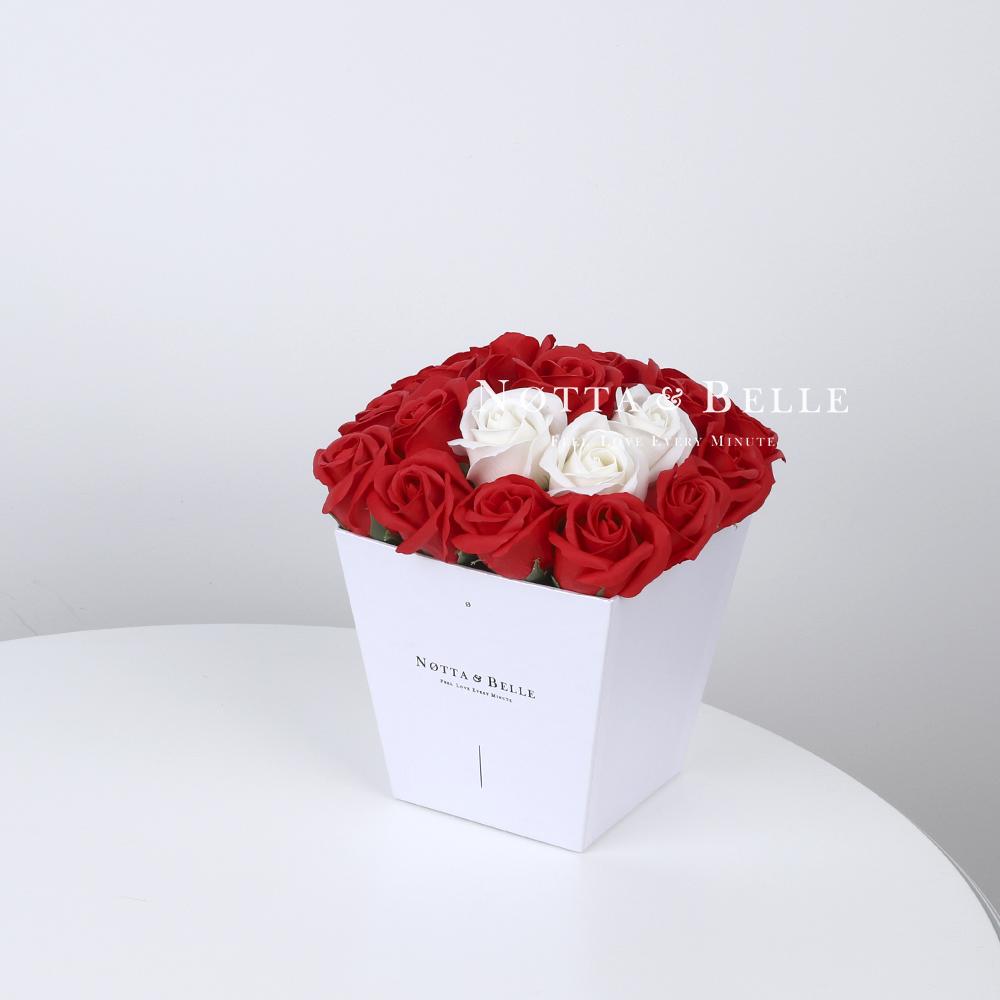 Мыльный букет красного цвета №211 из 21 розы