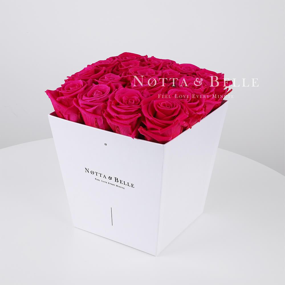 Grellrosa Rosenstrauß «Forever» in einer weissen Box – 17 Stück