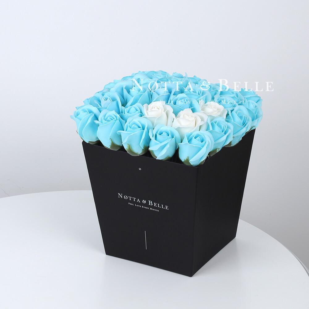 Мыльный букет голубого цвета №442 из 35 розы