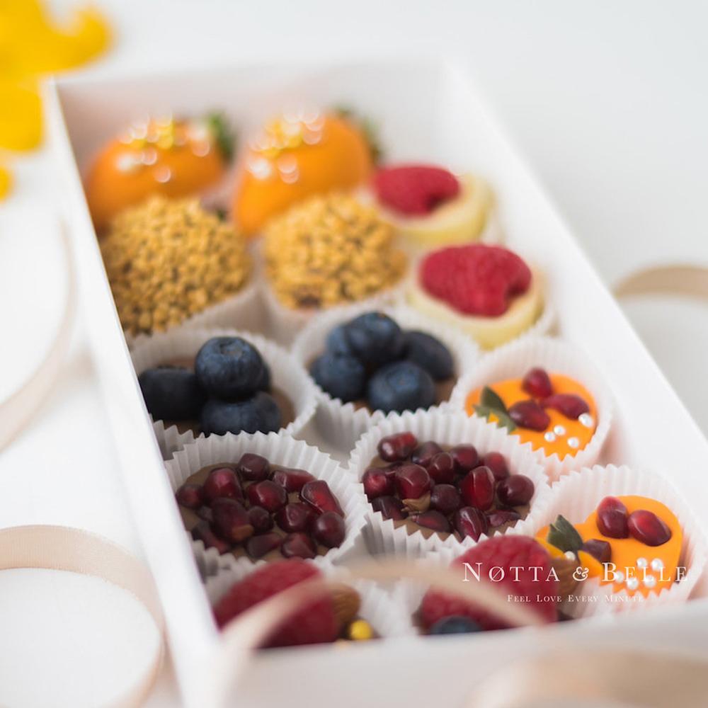 Ягоды в шоколаде - Ассорти из 14 конфет