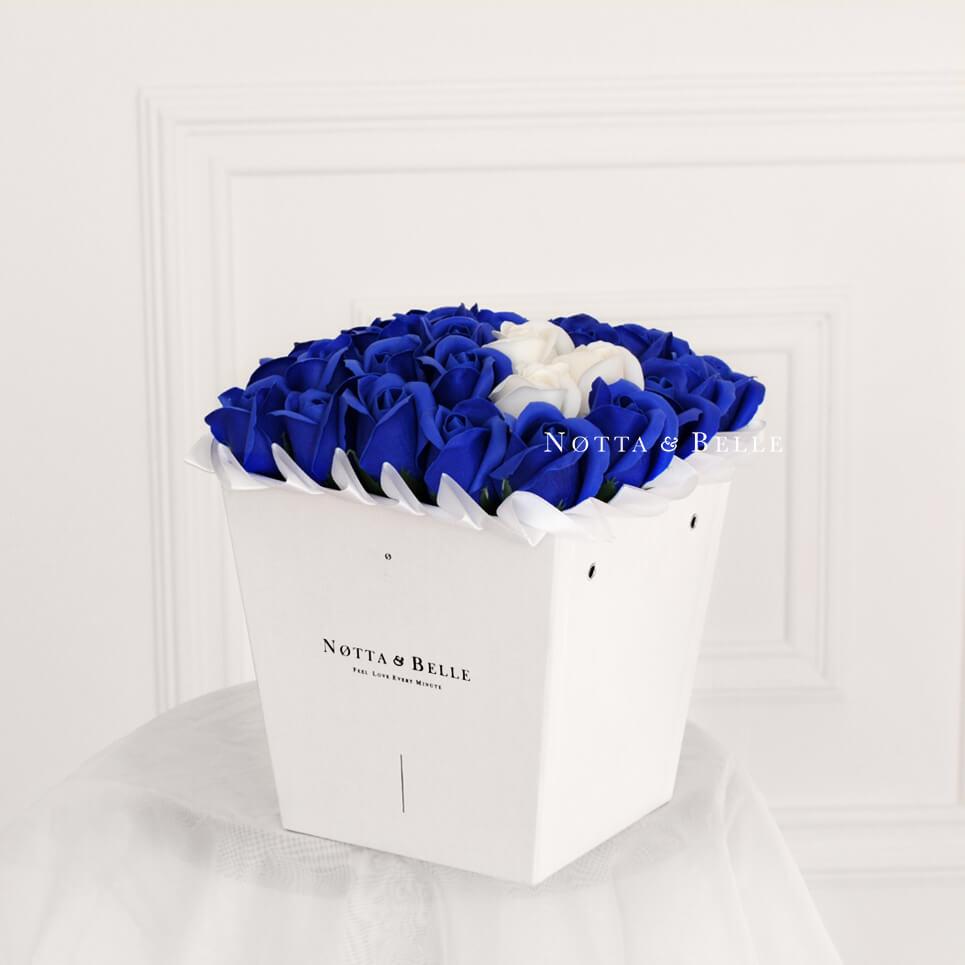 Мыльные розы синего цвета №431 White