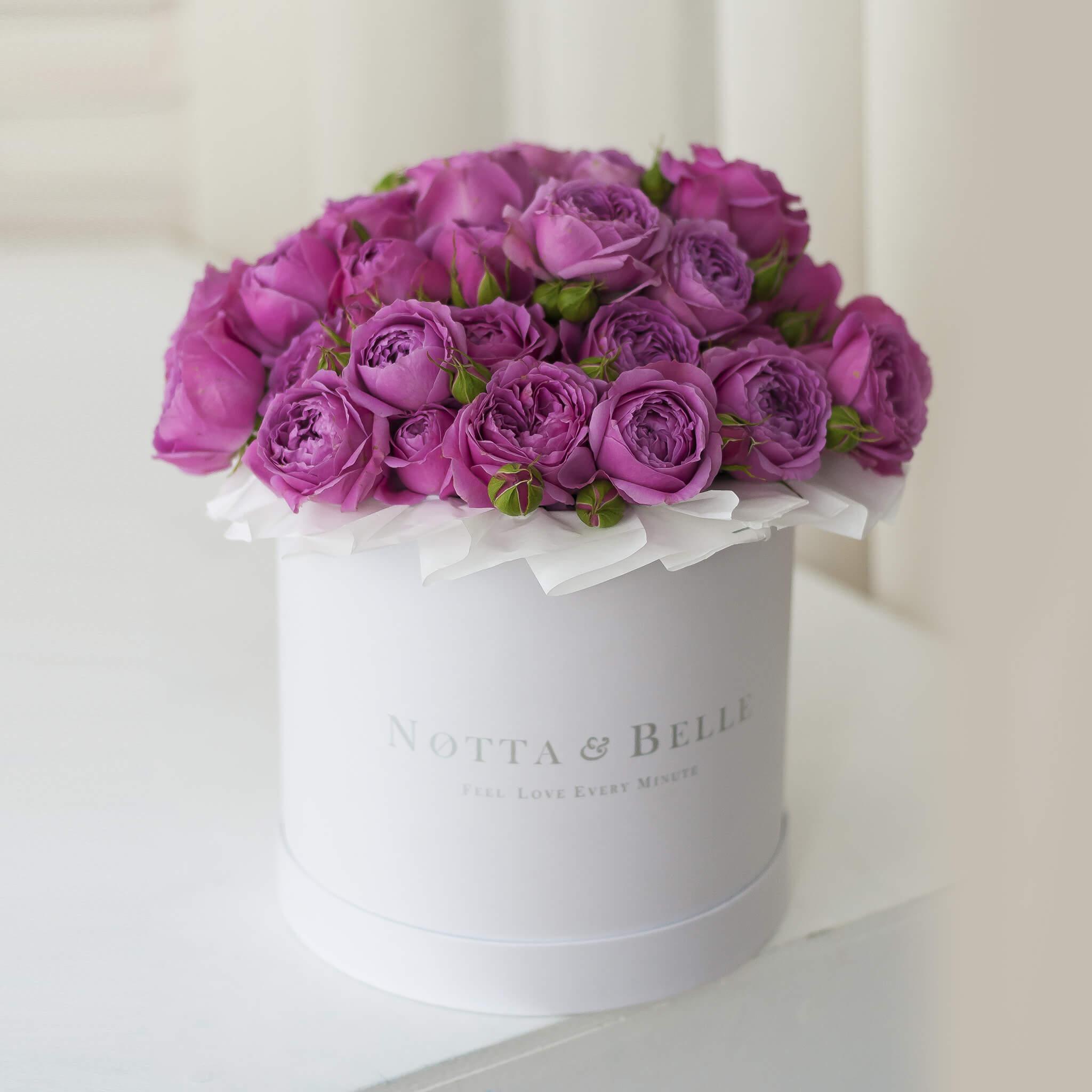 Premium Розовая роза в шляпной коробке белого цвета