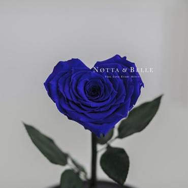 Бутон в форме сердца синей розы в колбе - Premium