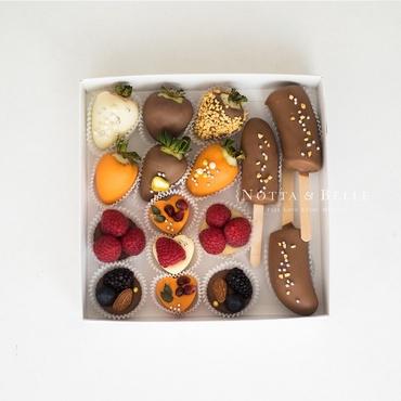 Ягоды в шоколаде - Ассорти из 16 конфет