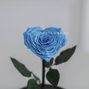 Бутон в форме сердца голубой розы в колбе - Premium